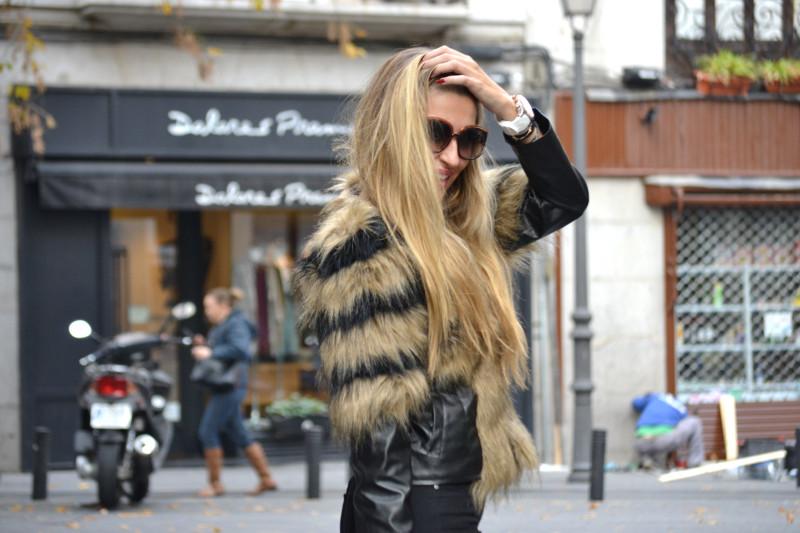 Vintage_Fur_Coat_Jeans_Jumbo_Chanel_Sammydress_Lara_Martin_Gilarranz_Just_Cavalli_Bymyheels (11)
