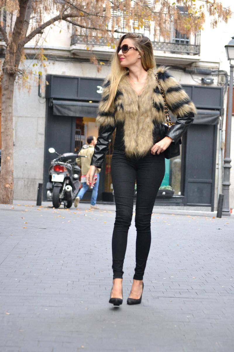Vintage_Fur_Coat_Jeans_Jumbo_Chanel_Sammydress_Lara_Martin_Gilarranz_Just_Cavalli_Bymyheels (12)
