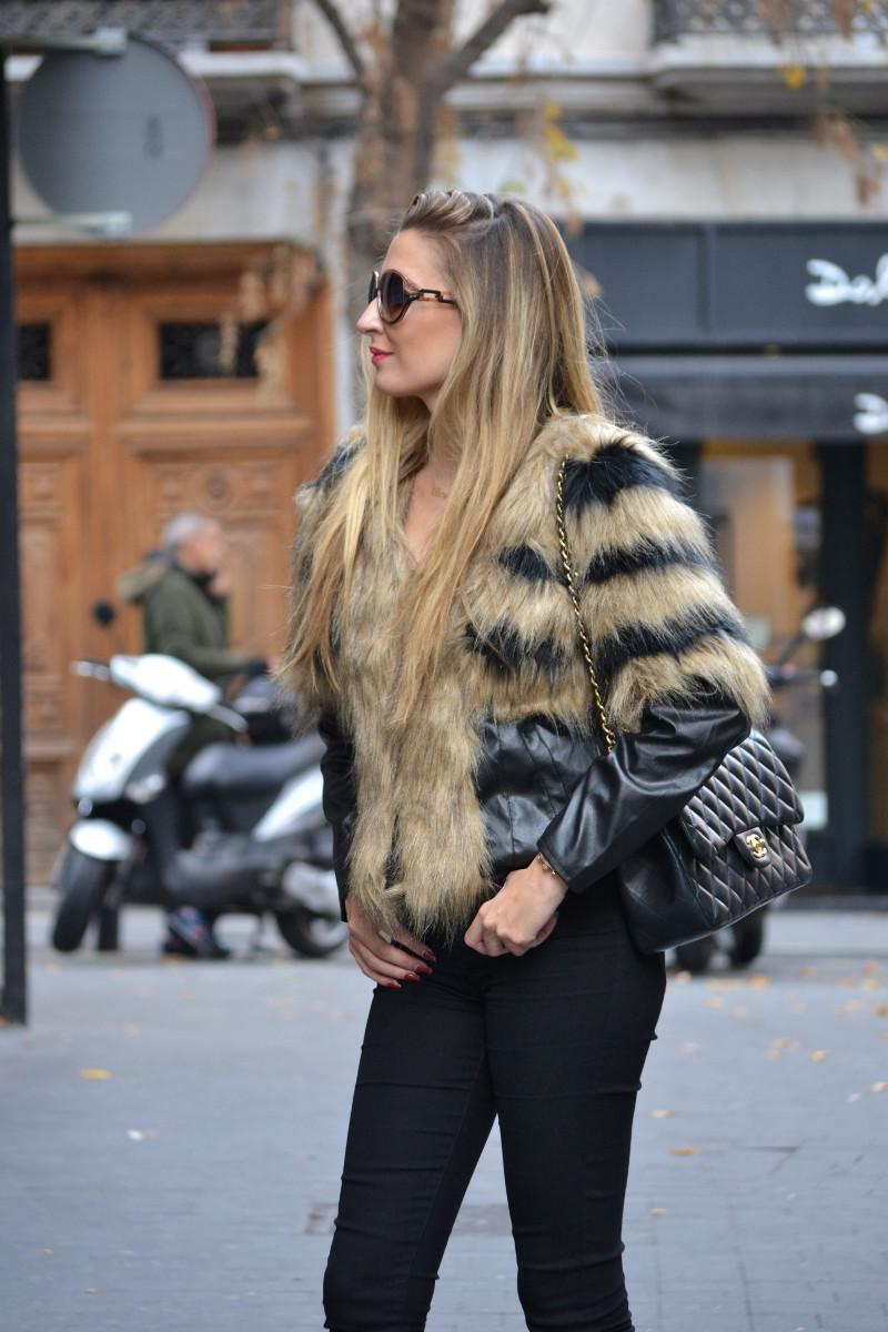 Vintage_Fur_Coat_Jeans_Jumbo_Chanel_Sammydress_Lara_Martin_Gilarranz_Just_Cavalli_Bymyheels (2)