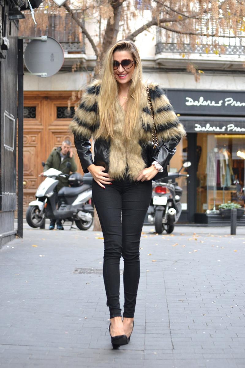 Vintage_Fur_Coat_Jeans_Jumbo_Chanel_Sammydress_Lara_Martin_Gilarranz_Just_Cavalli_Bymyheels (5)