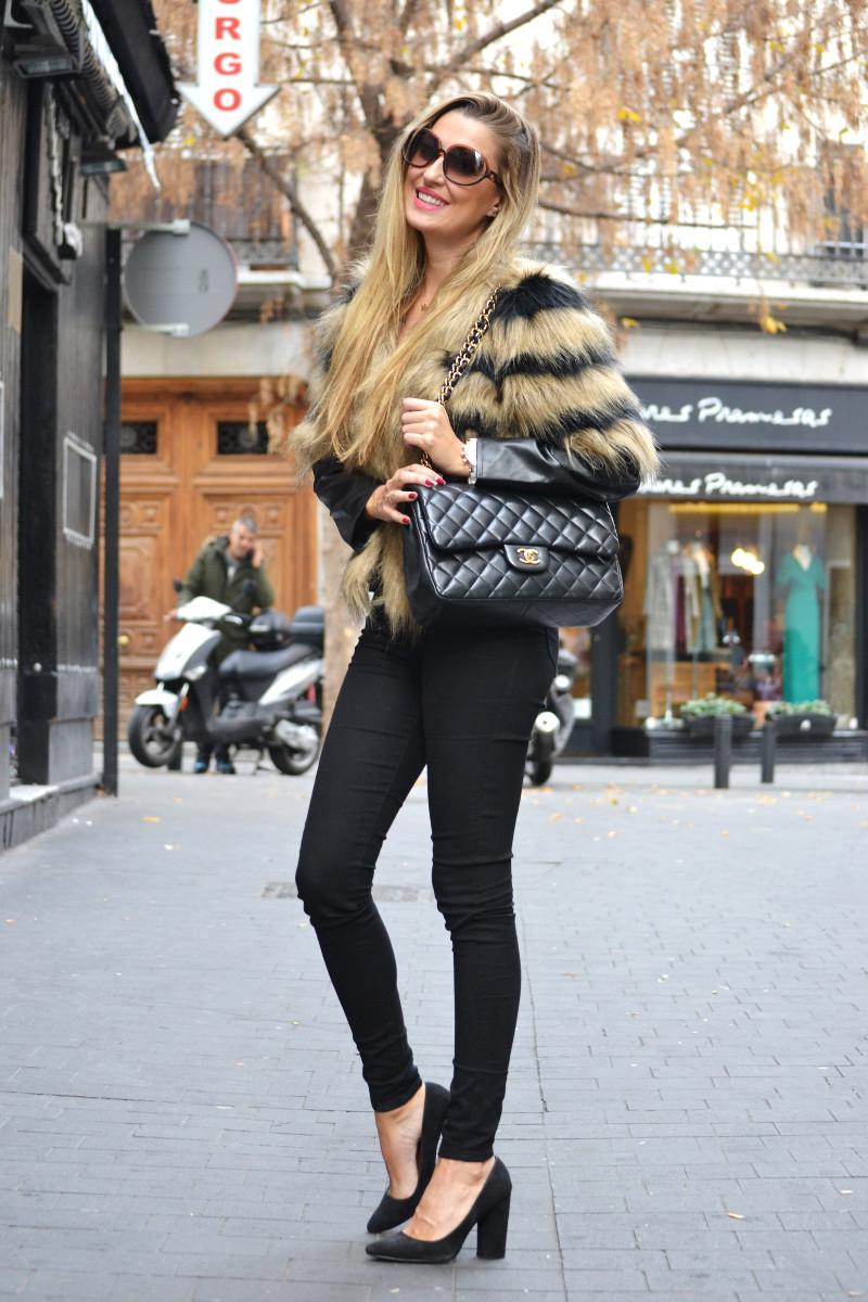 Vintage_Fur_Coat_Jeans_Jumbo_Chanel_Sammydress_Lara_Martin_Gilarranz_Just_Cavalli_Bymyheels (9)