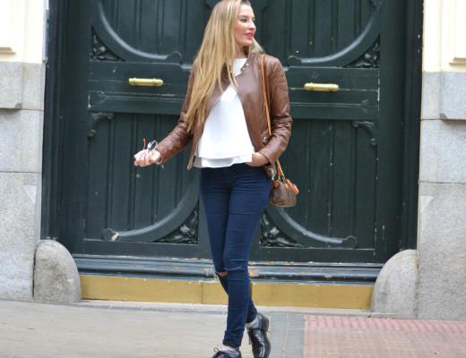 Biker_Jacket_Salsa_Leather_Ripped_Jeans_Lara_Martin_Gilarranz_Oxford_Shoes_Bymyheels (12)