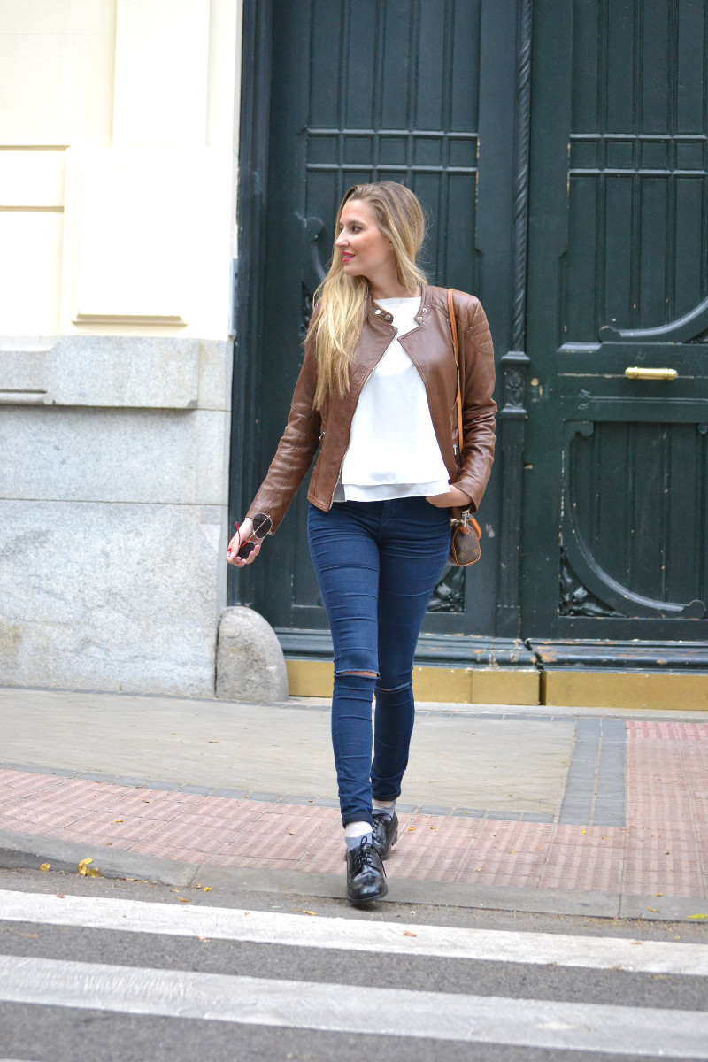 Biker_Jacket_Salsa_Leather_Ripped_Jeans_Lara_Martin_Gilarranz_Oxford_Shoes_Bymyheels (15)