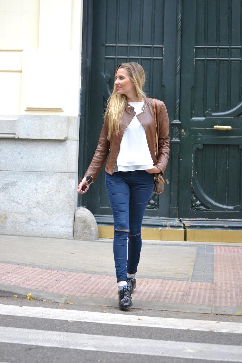 Biker_Jacket_Salsa_Leather_Ripped_Jeans_Lara_Martin_Gilarranz_Oxford_Shoes_Bymyheels (15)