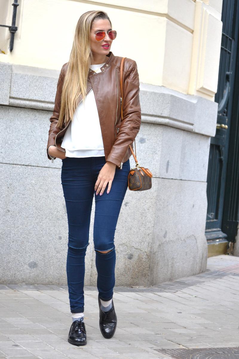 Biker_Jacket_Salsa_Leather_Ripped_Jeans_Lara_Martin_Gilarranz_Oxford_Shoes_Bymyheels (2)
