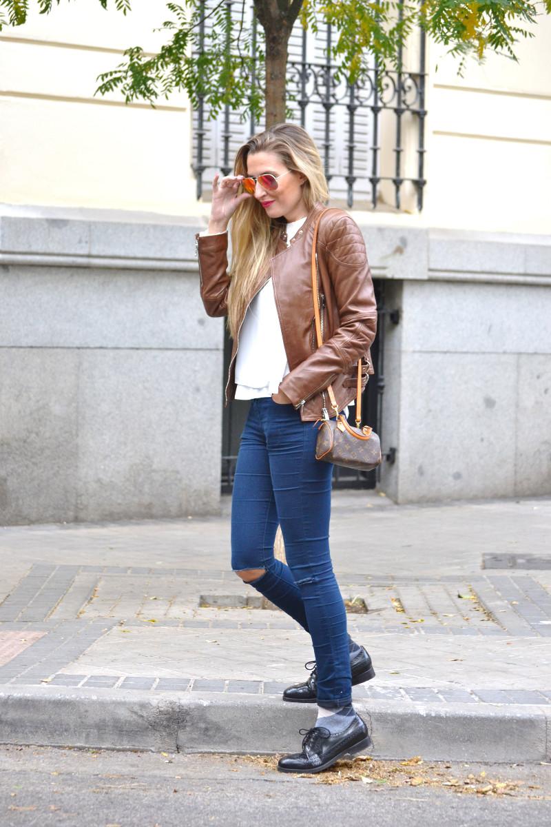 Biker_Jacket_Salsa_Leather_Ripped_Jeans_Lara_Martin_Gilarranz_Oxford_Shoes_Bymyheels (5)