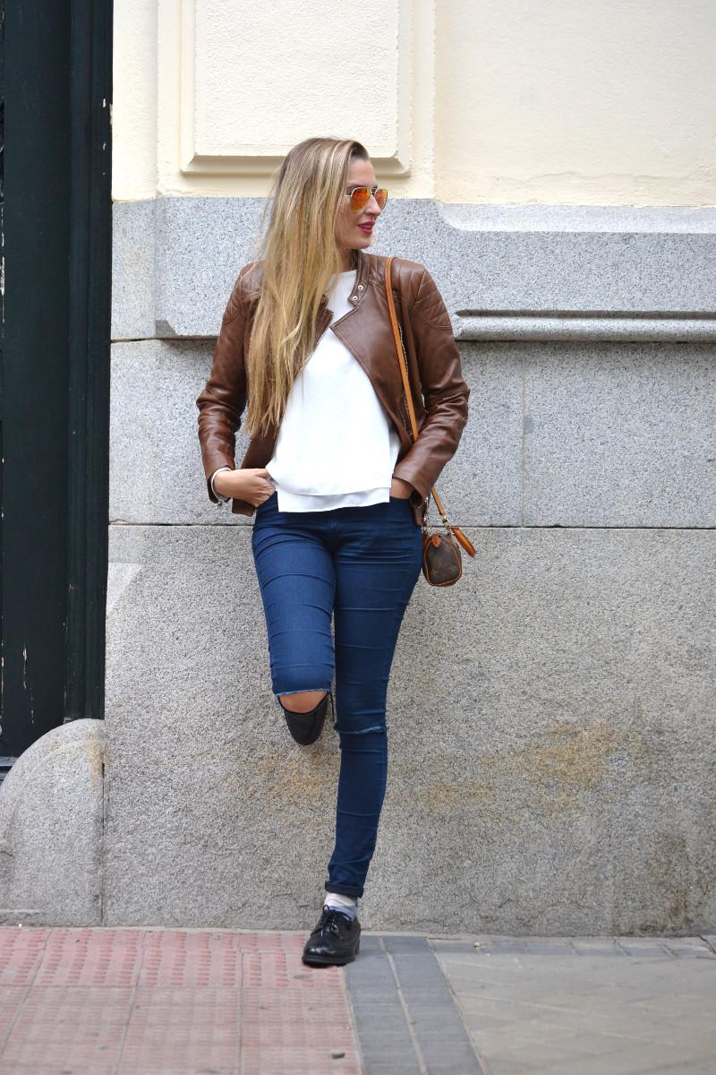 Biker_Jacket_Salsa_Leather_Ripped_Jeans_Lara_Martin_Gilarranz_Oxford_Shoes_Bymyheels (7)