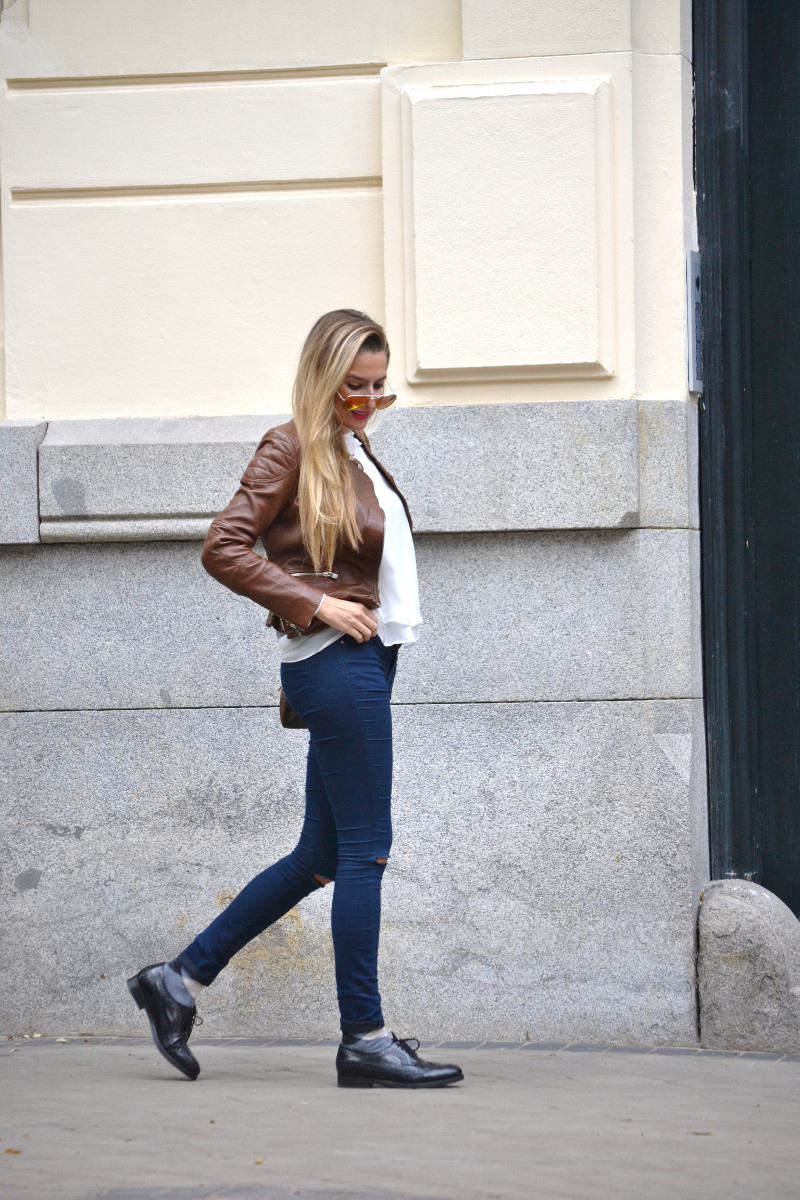 Biker_Jacket_Salsa_Leather_Ripped_Jeans_Lara_Martin_Gilarranz_Oxford_Shoes_Bymyheels (8)