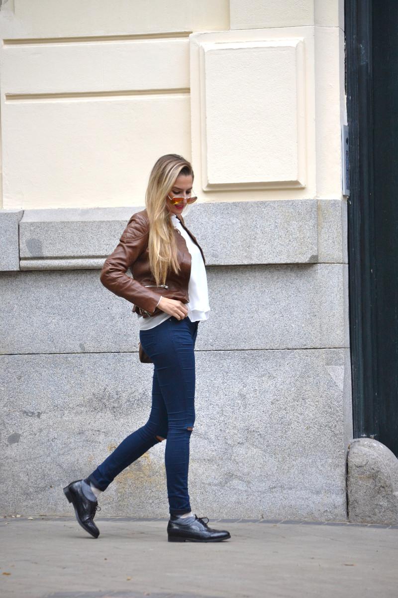 Biker_Jacket_Salsa_Leather_Ripped_Jeans_Lara_Martin_Gilarranz_Oxford_Shoes_Bymyheels (8)