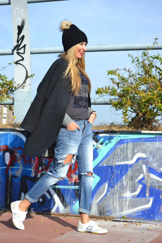 Boyfriend_Jeans_abrigo_Negro_Gorro_Pelo_Sneakers_Lara_Martin_Gilarranz_Bymyheels (7)