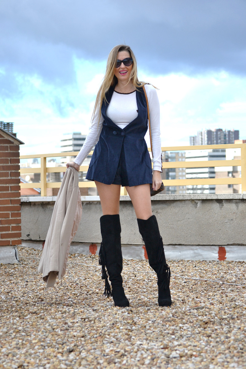 Dungaree_Blue_Roof_Top_Armand_Basi_Louis_Vuitton_Over_The_Knee_Boots_Lara_Martin_Gilarranz_Blazer_Bymyheels (9)