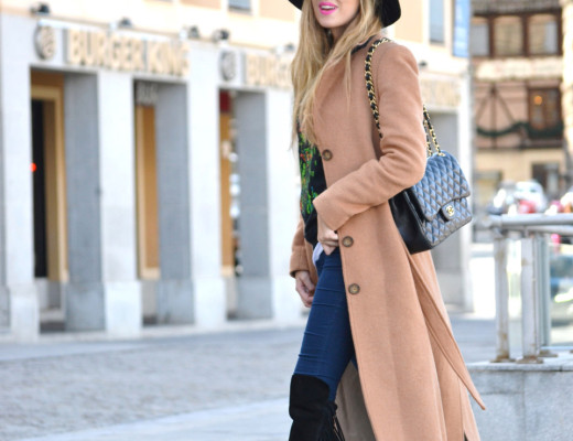 Long_Coat_High_Waisted_Boots_Pilar_Burgos_Jumbo_Chanel_Segovia_Lara_Martin_Gilarranz (10)