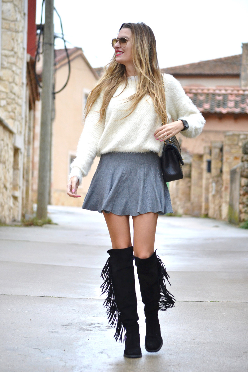 Over_The_Knee_Boots_Lara_Martin_Gilarranz_Bymyheels_Skirt_Ray_Ban_Jumbo_Chanel_Pilar_Burgos (11)