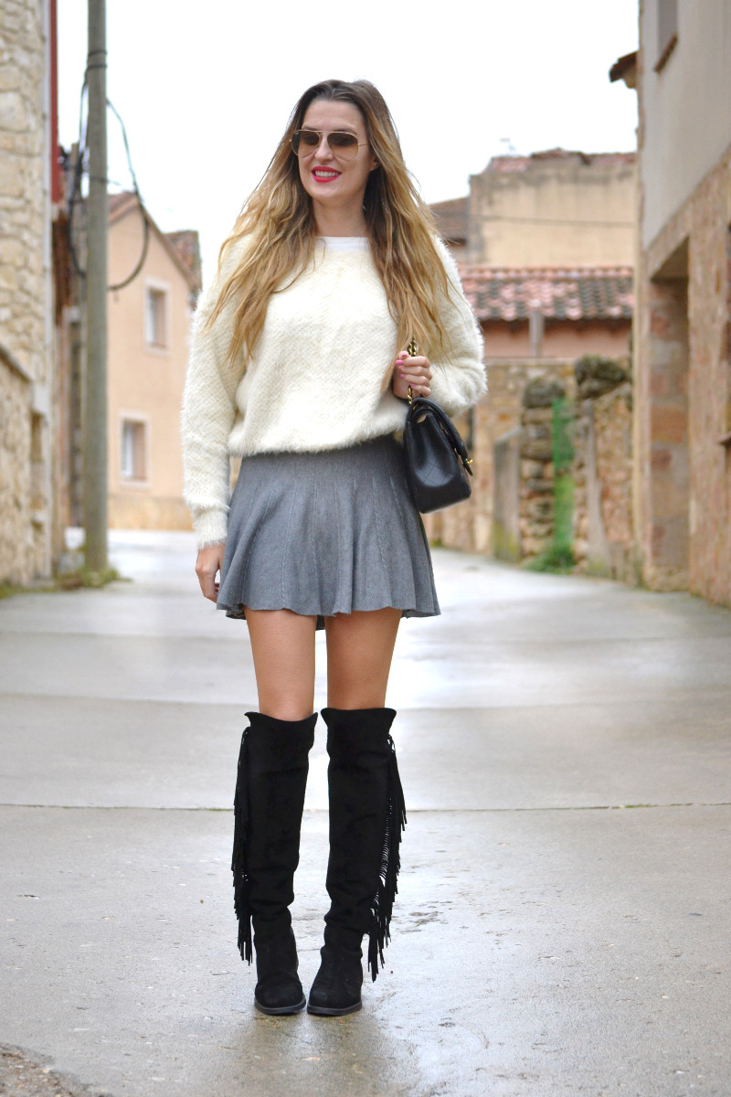 Over_The_Knee_Boots_Lara_Martin_Gilarranz_Bymyheels_Skirt_Ray_Ban_Jumbo_Chanel_Pilar_Burgos (3)