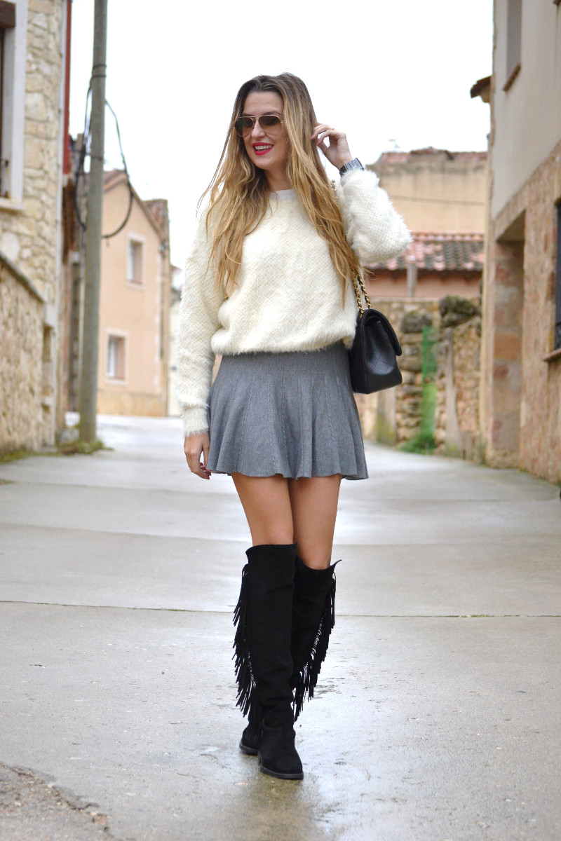 Over_The_Knee_Boots_Lara_Martin_Gilarranz_Bymyheels_Skirt_Ray_Ban_Jumbo_Chanel_Pilar_Burgos (4)