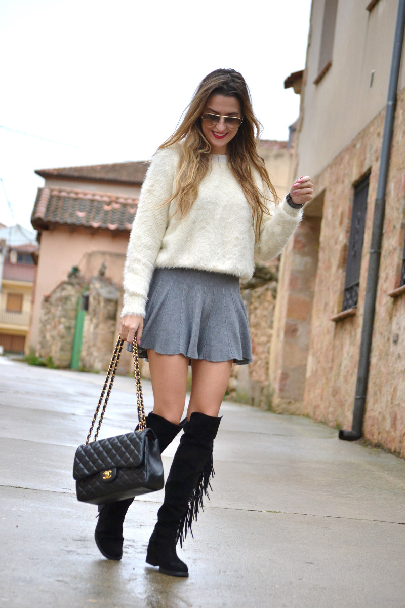 Over_The_Knee_Boots_Lara_Martin_Gilarranz_Bymyheels_Skirt_Ray_Ban_Jumbo_Chanel_Pilar_Burgos (5)