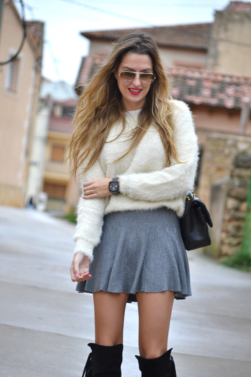 Over_The_Knee_Boots_Lara_Martin_Gilarranz_Bymyheels_Skirt_Ray_Ban_Jumbo_Chanel_Pilar_Burgos (6)