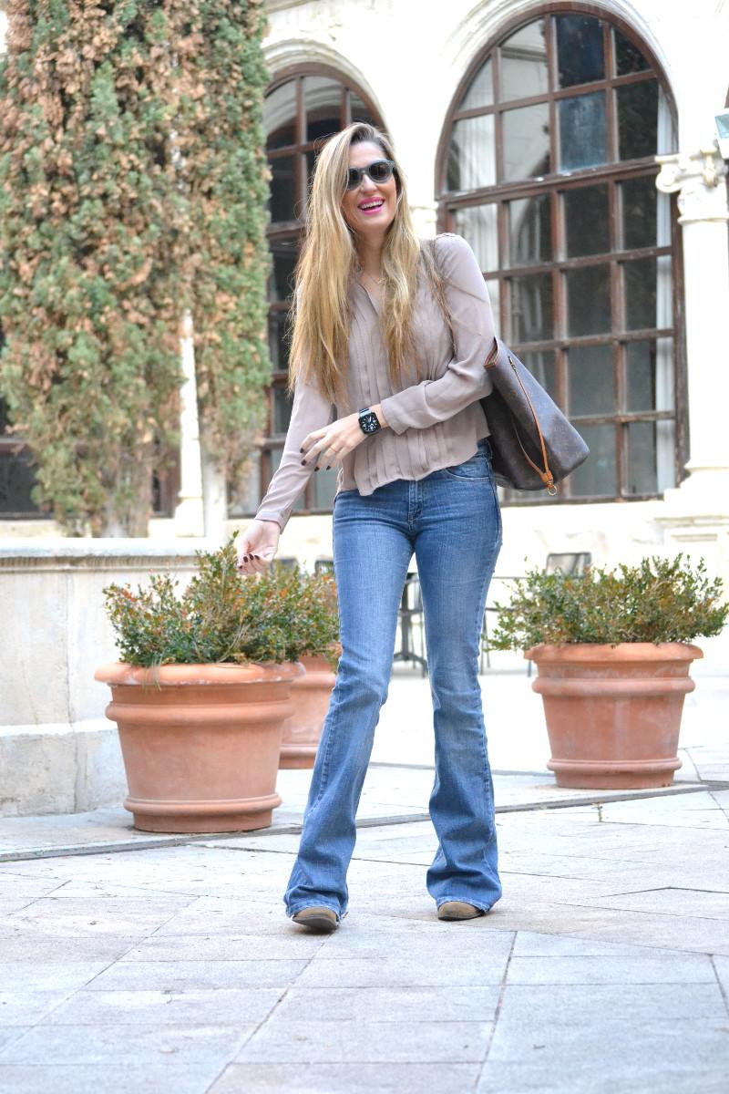 Parador_Cuenca_Claustro_Flared_Jeans_Oxygene_Lara_Martin_Gilarranz_Bymyheels (8)