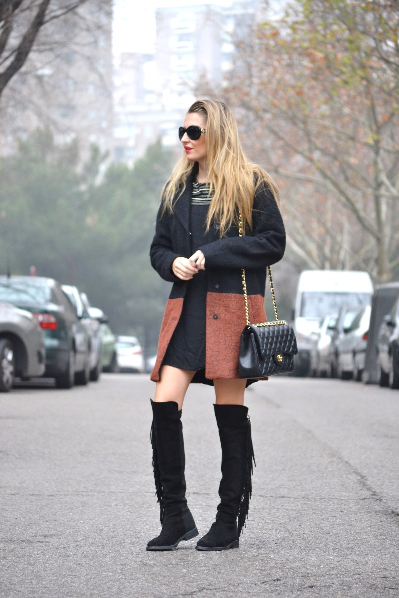 Abrigo_Lana_Bicolor_Jumbo_Chanel_Lara_Martin_Gilarranz_Bymyheels_LBD_Over_The_Knee (1)