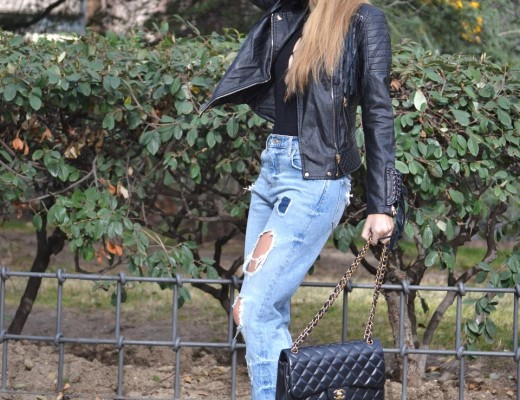 Jeans_Fringes_Jacket_Stilettos_Jumbo_Chanel_Wolfnoir_Lara_Martin_Gilarranz_Bymyheels (12)