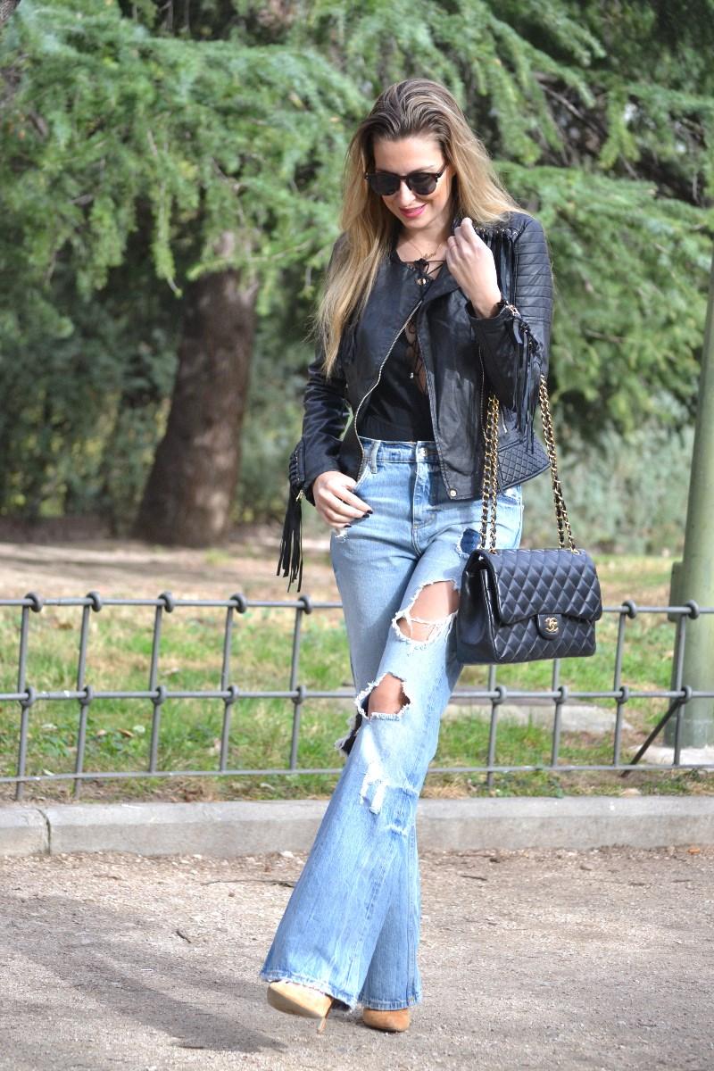 Jeans_Fringes_Jacket_Stilettos_Jumbo_Chanel_Wolfnoir_Lara_Martin_Gilarranz_Bymyheels (6)