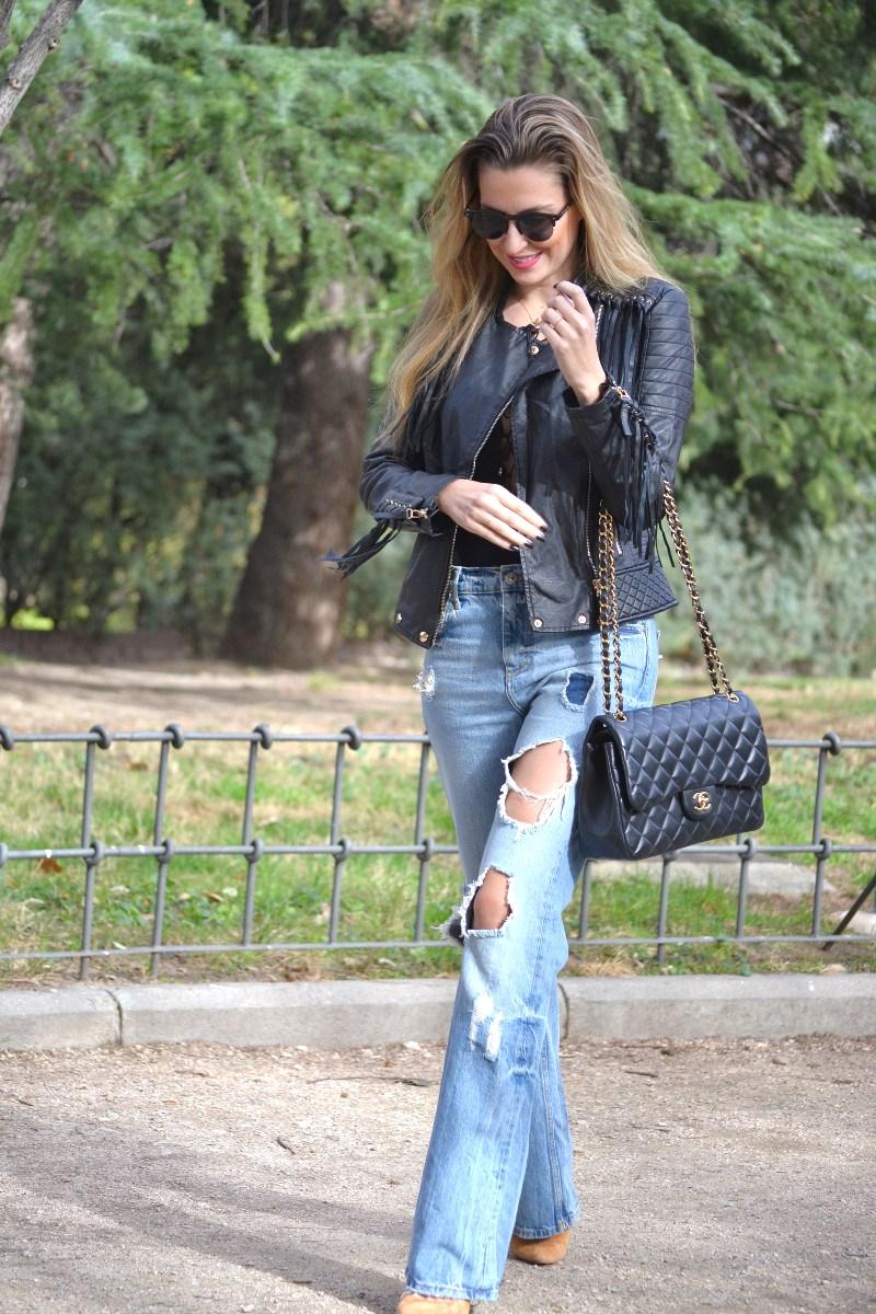 Jeans_Fringes_Jacket_Stilettos_Jumbo_Chanel_Wolfnoir_Lara_Martin_Gilarranz_Bymyheels (7)