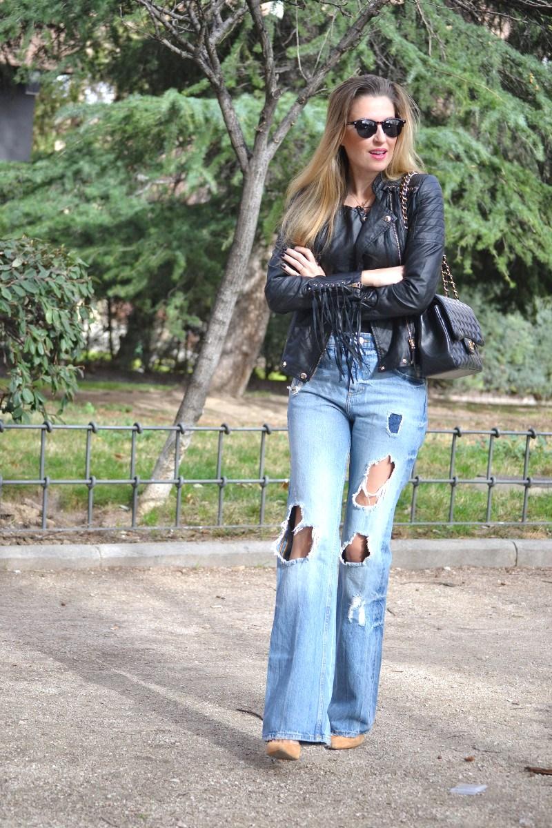 Jeans_Fringes_Jacket_Stilettos_Jumbo_Chanel_Wolfnoir_Lara_Martin_Gilarranz_Bymyheels (8)