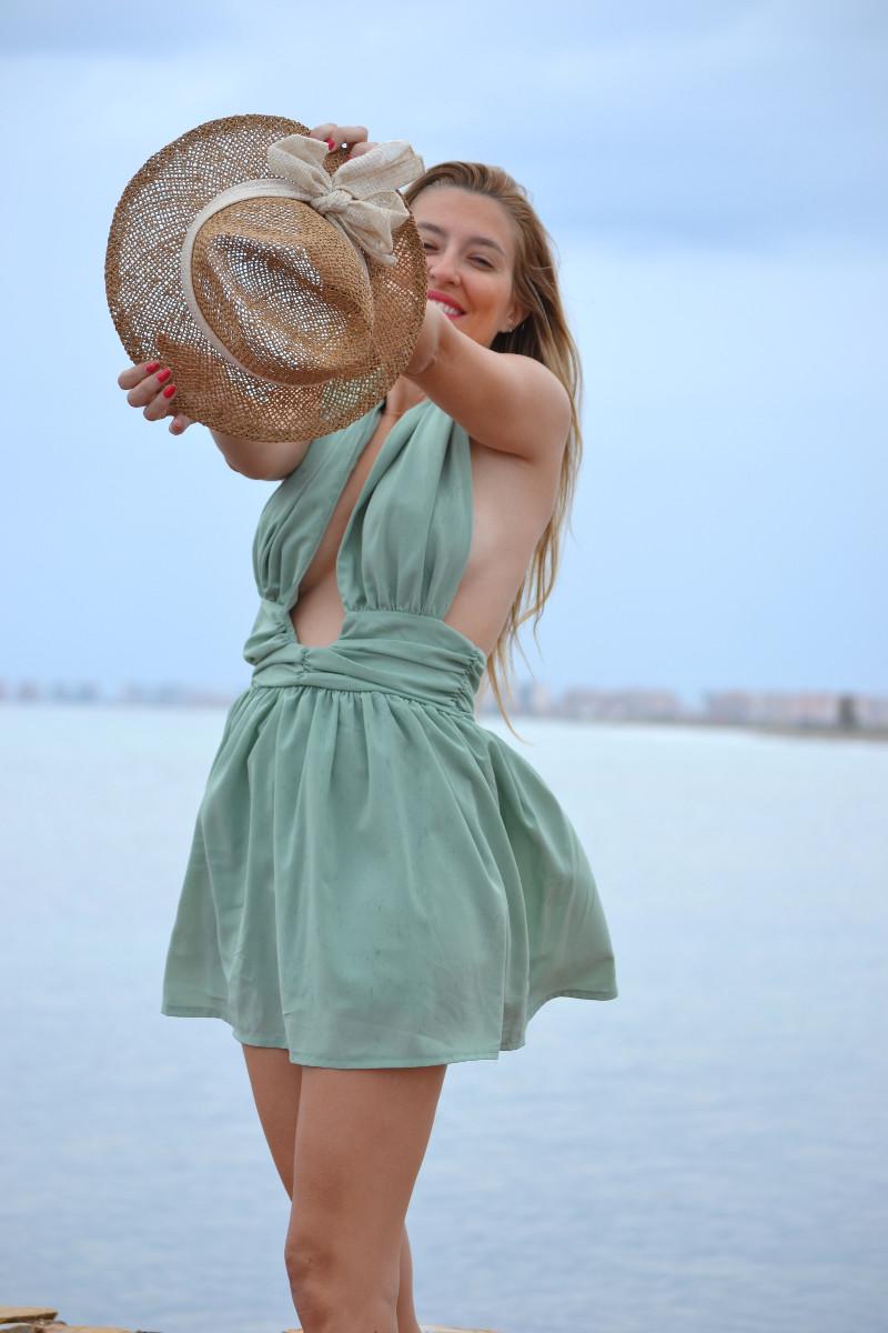 Green_Drapped_Dress_Fashion_Frenzzie_Hat_Sea_Seaside_Lara_Martin_Gilarranz_Bymyheels (1)