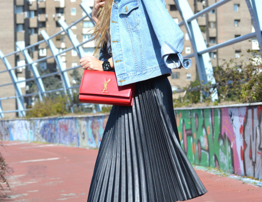 Oxygene_Skirt_Monogram_Red_Yves_Saint_Laurent_D_Franklin_Denim_Dear_Tee_Lara_Martin_Gilarranz_Bymyheels (9)