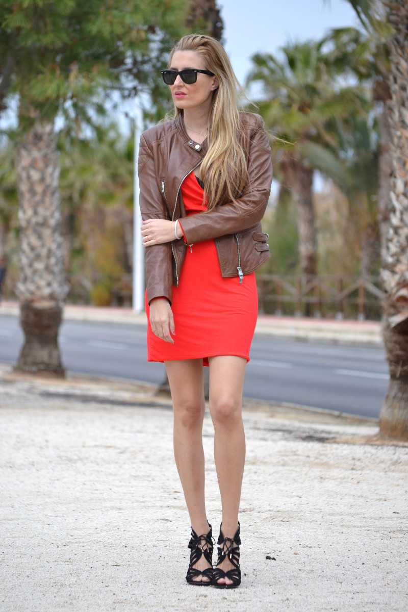 Red_Dress_Lovers_Friends_Lara_Martin_Gilarranz_Leather_Salsa_Bymyheels (6)