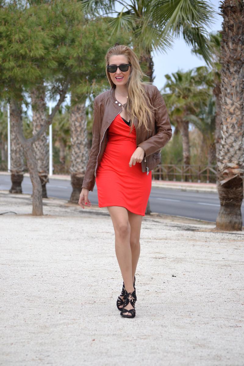 Red_Dress_Lovers_Friends_Lara_Martin_Gilarranz_Leather_Salsa_Bymyheels (7)