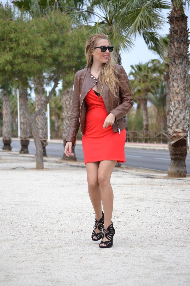 Red_Dress_Lovers_Friends_Lara_Martin_Gilarranz_Leather_Salsa_Bymyheels (8)