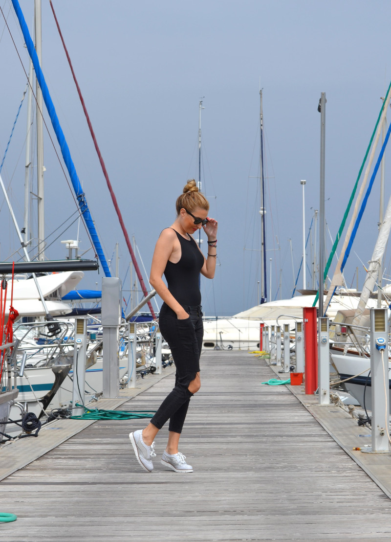 Total_Black_White_Shoes_Ray_Ban_Wayfarer_Port_Lara_Martin_Gilarranz_Bymyheels (3)