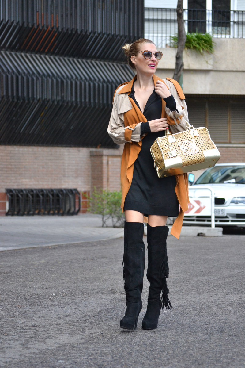Trench_ Bicolor_Over_The_Knee_Loewe_Amazna_LBD_Lara_Martin_Gilarranz_Bymyheels (1)