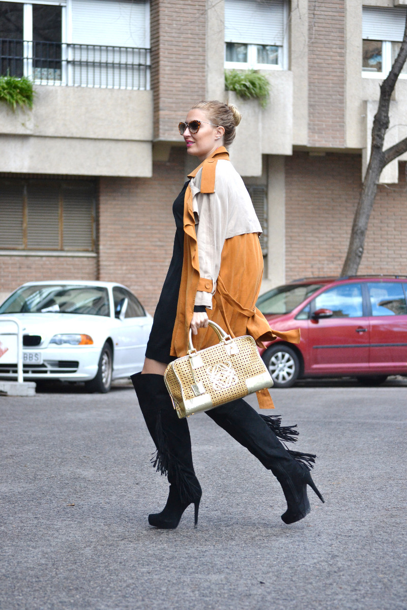 Trench_ Bicolor_Over_The_Knee_Loewe_Amazna_LBD_Lara_Martin_Gilarranz_Bymyheels (7)