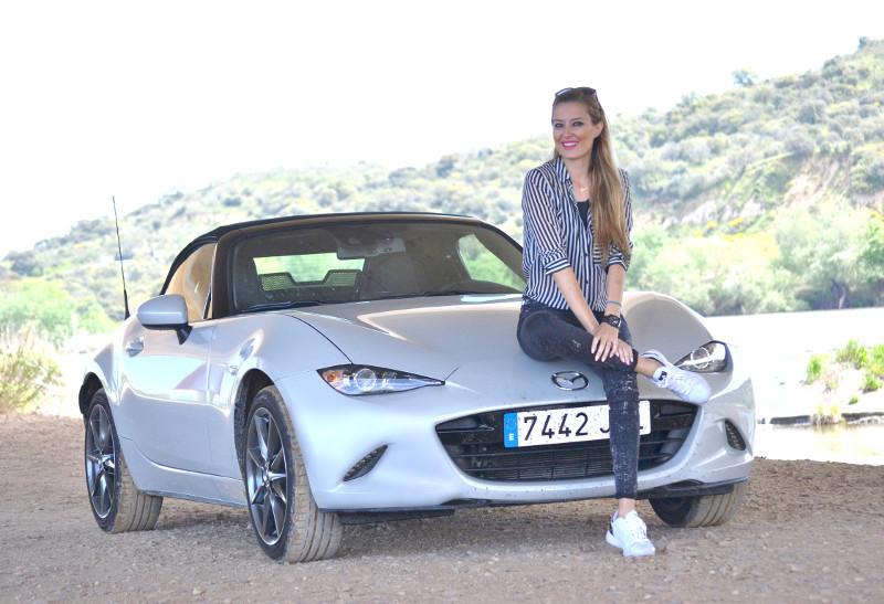 MX5_Mazda_Circuito_Albacete_Outfit_Derrape_Curso_Conduccion_Lara_Martin_Gilarranz_Bymyheels (2)
