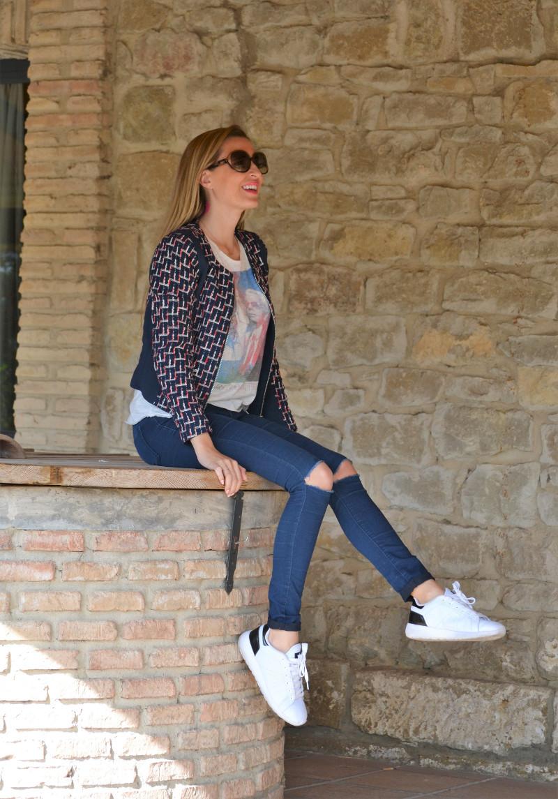 Navarra_Villa_Marcilla_Florette_Lara_Martin_Gilarranz_Bymyheels_Ripped_Jeans_Sneakers_Chanel (1)