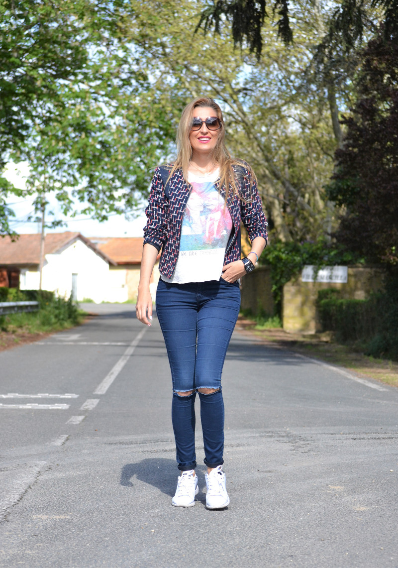 Navarra_Villa_Marcilla_Florette_Lara_Martin_Gilarranz_Bymyheels_Ripped_Jeans_Sneakers_Chanel (2)