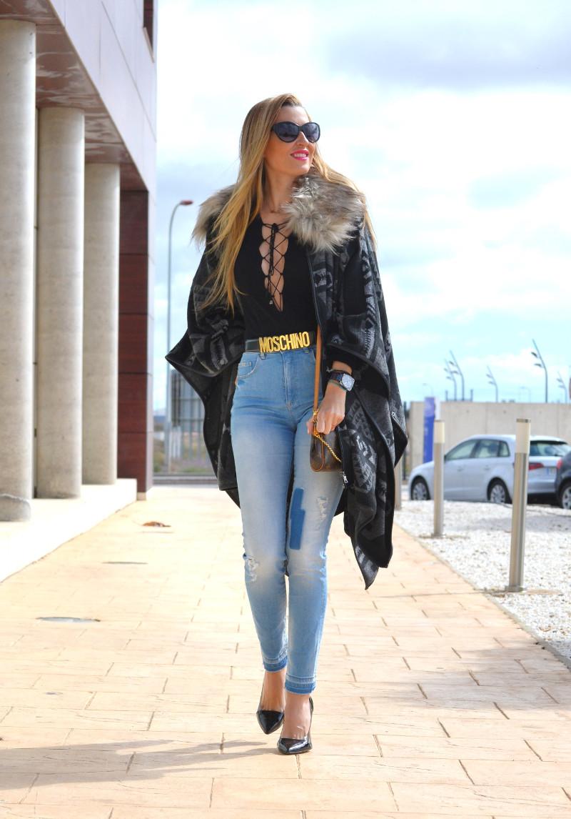 Pochette_Eva_Louis_Vuitton_Stilettos_Hig_Waisted_Salsa_armand_Basi_Bymyheels (15)