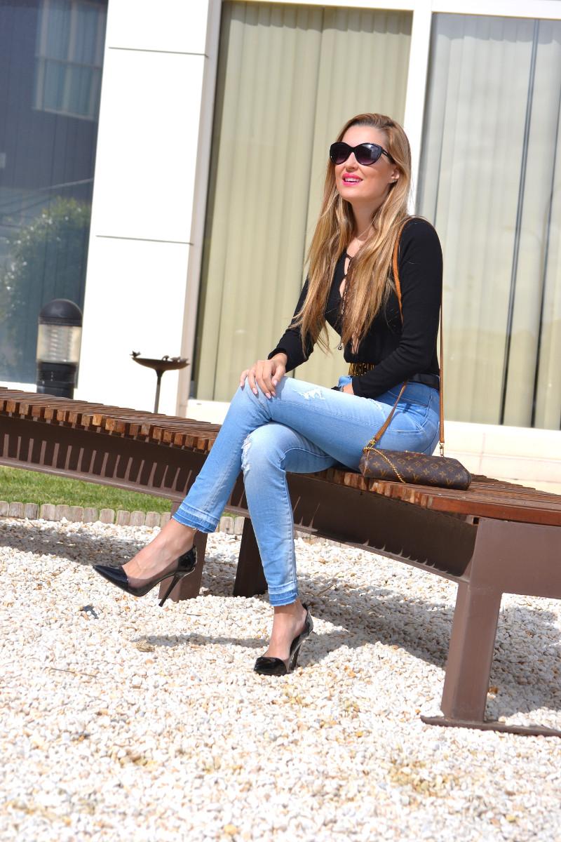 Pochette_Eva_Louis_Vuitton_Stilettos_Hig_Waisted_Salsa_armand_Basi_Bymyheels (3)