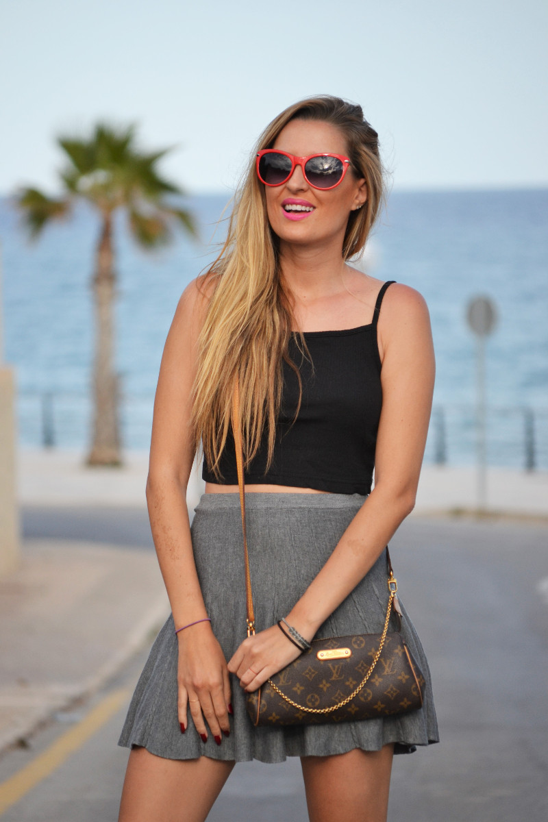 Grey_Skirt_Booties_Louis_Vuitton_Guess_Lara_Martin_Gilarranz_Bymyheels (1)