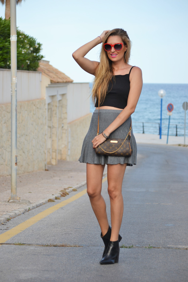 Grey_Skirt_Booties_Louis_Vuitton_Guess_Lara_Martin_Gilarranz_Bymyheels (2)