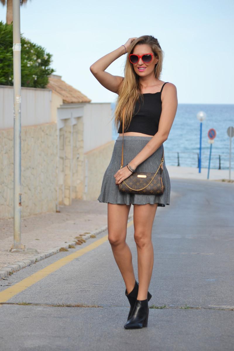 Grey_Skirt_Booties_Louis_Vuitton_Guess_Lara_Martin_Gilarranz_Bymyheels (2)