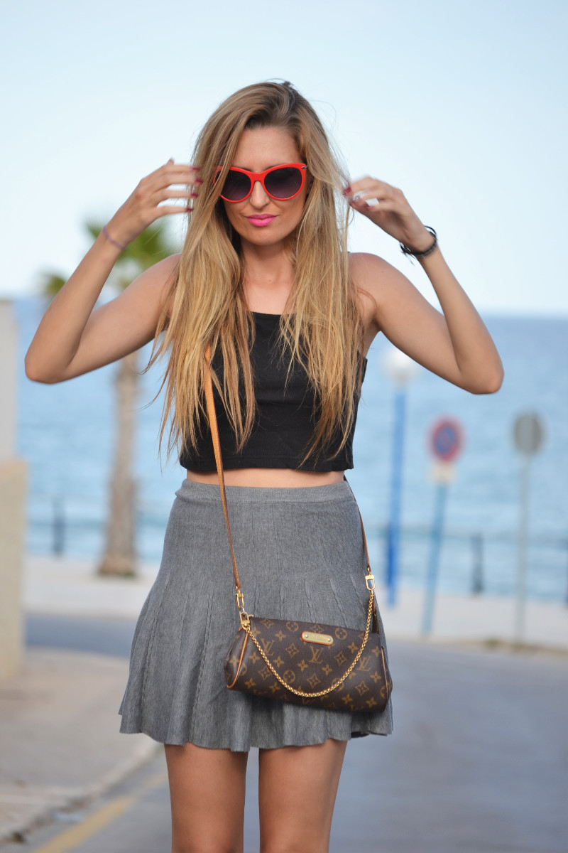 Grey_Skirt_Booties_Louis_Vuitton_Guess_Lara_Martin_Gilarranz_Bymyheels (3)
