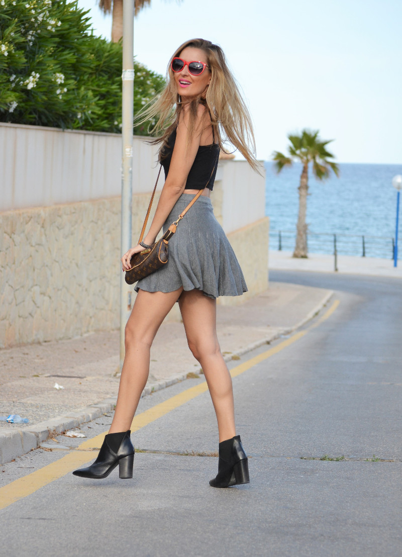 Grey_Skirt_Booties_Louis_Vuitton_Guess_Lara_Martin_Gilarranz_Bymyheels (5)