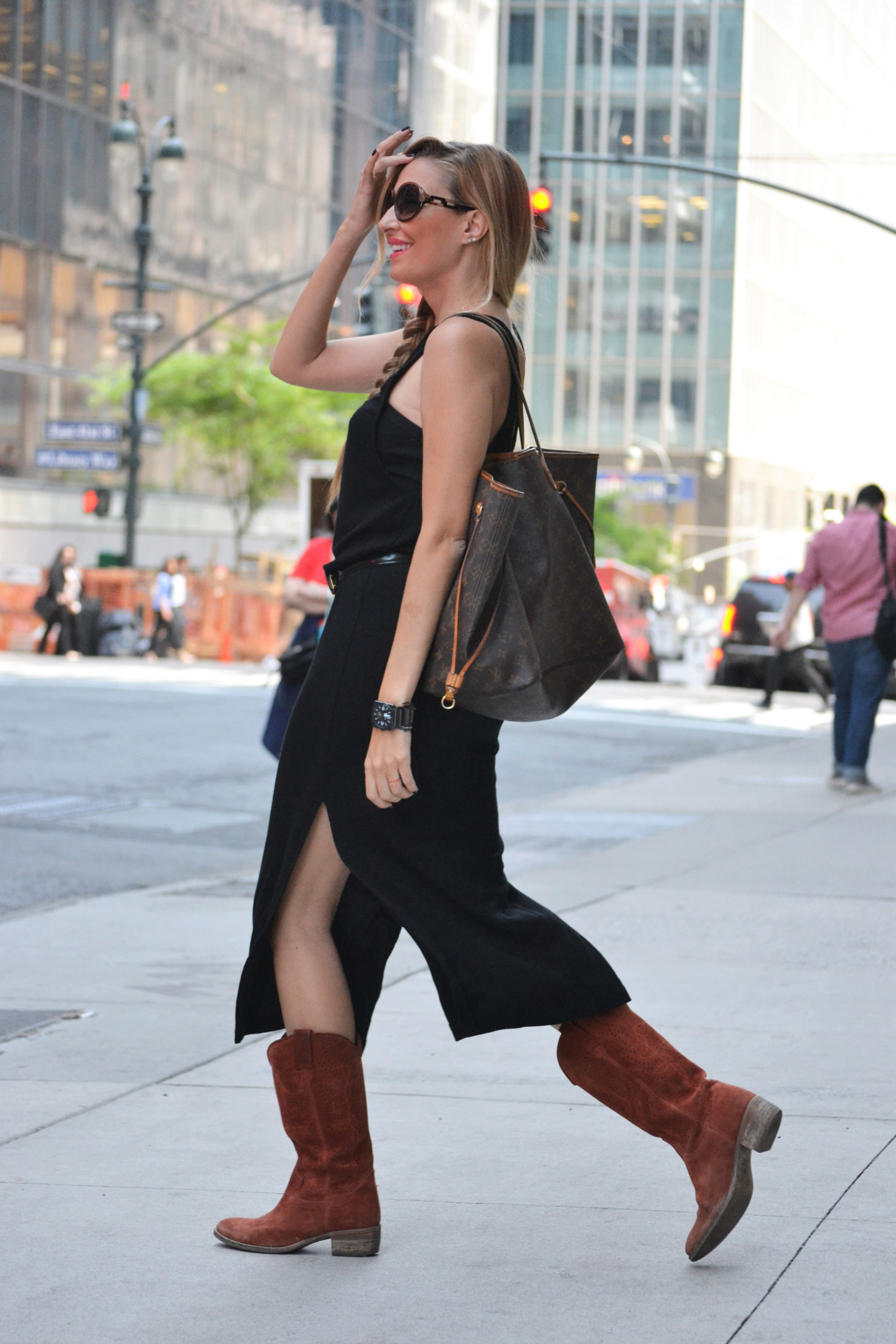 NAKD_LBD_Black_Dress_Lara_Martin_Gilarranz_Bymyheels_NYC (1)