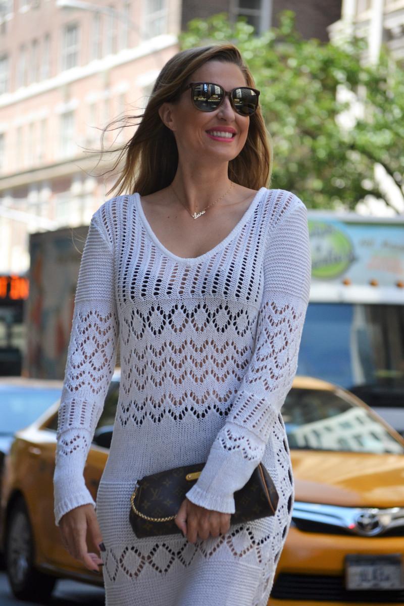 White_Crochet_Dress_Platforms_Nakd_Nueva_York_NYC_Pochette_Eva_Louis_Vuitton_Vuarnet_Lara_Martin_Gilarranz_Bymyheels (14)