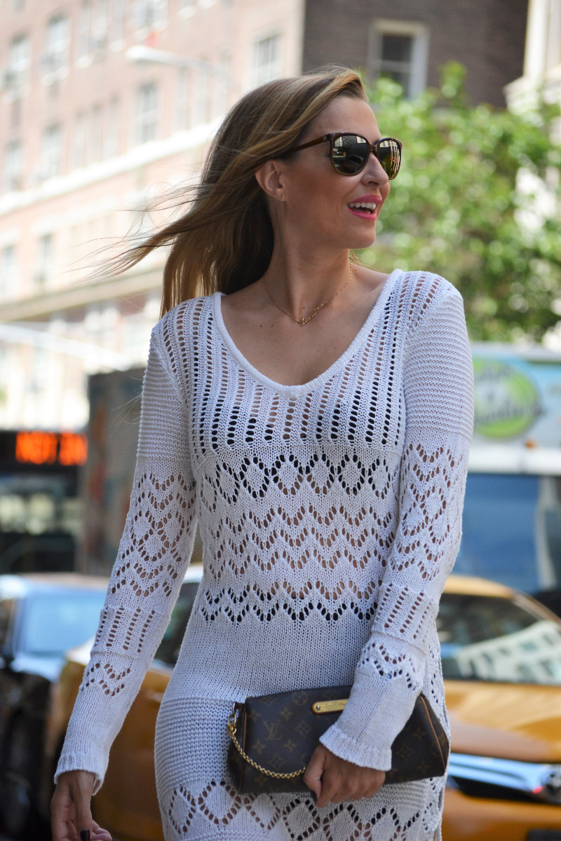 White_Crochet_Dress_Platforms_Nakd_Nueva_York_NYC_Pochette_Eva_Louis_Vuitton_Vuarnet_Lara_Martin_Gilarranz_Bymyheels (15)