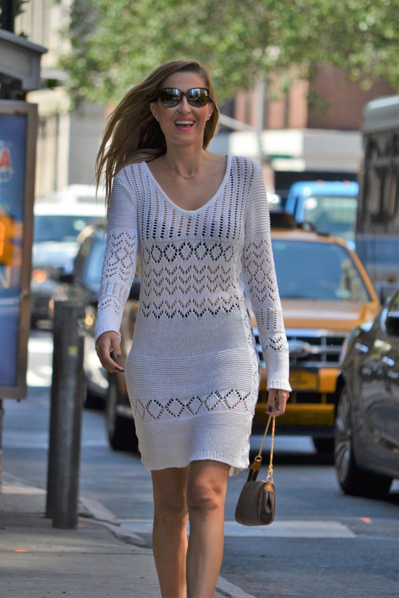 White_Crochet_Dress_Platforms_Nakd_Nueva_York_NYC_Pochette_Eva_Louis_Vuitton_Vuarnet_Lara_Martin_Gilarranz_Bymyheels (8)