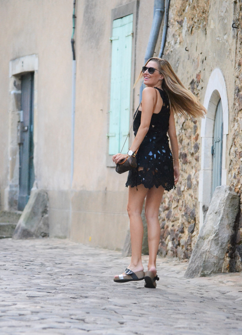 Le_Mans_Black_Dress_Sandals_Louis_Vuitton_Mini_Speedy_Lara_Martin_Gilarranz_Bymyheels (11)